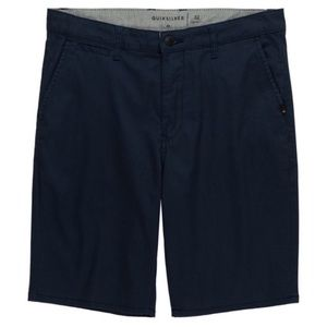 NWT. QUIKSILVER Men's Straight Shorts